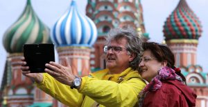 tourists_in_moscow_tass